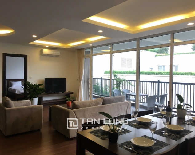 A 3-bedroom apartment for rent on Tu Hoa street, Tay Ho district! 2