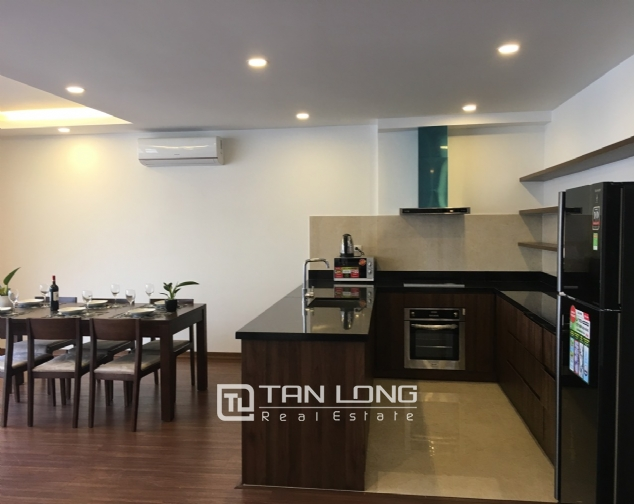 A 3-bedroom apartment for rent on Tu Hoa street, Tay Ho district! 5