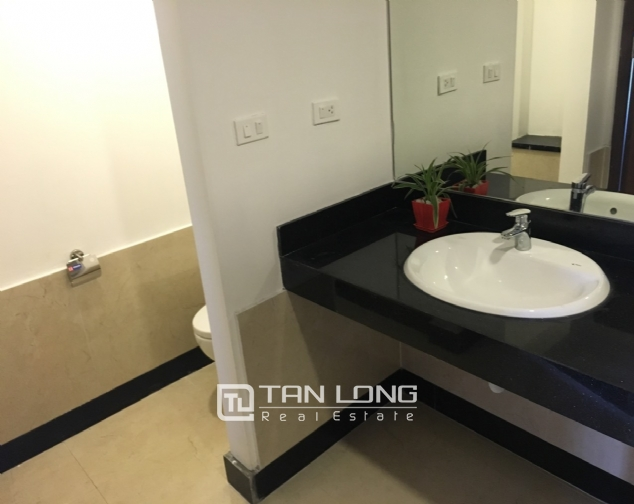 A 3-bedroom apartment for rent on Tu Hoa street, Tay Ho district! 10