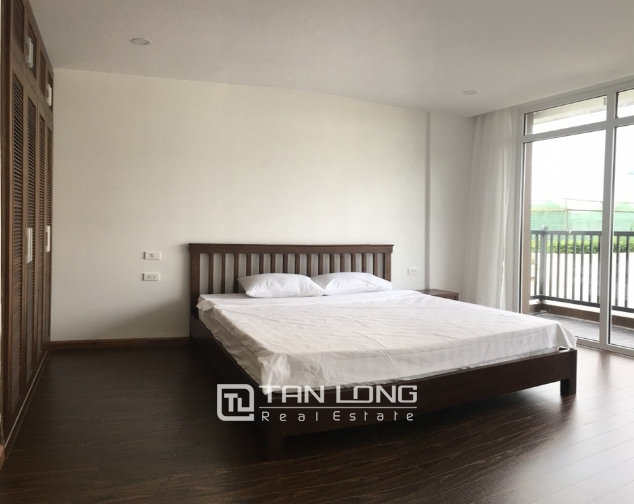 A 3-bedroom apartment for rent on Tu Hoa street, Tay Ho district! 8