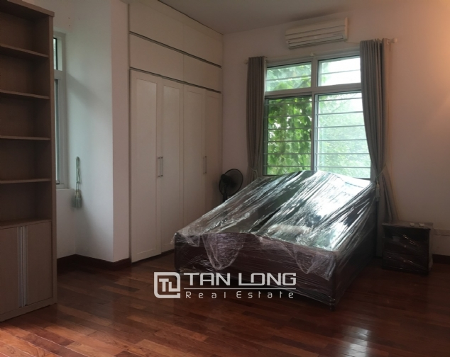 A 3-bedroom house for rent on Dang Thai Mai street, Tay Ho district! 10