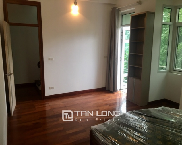 A 3-bedroom house for rent on Dang Thai Mai street, Tay Ho district! 1