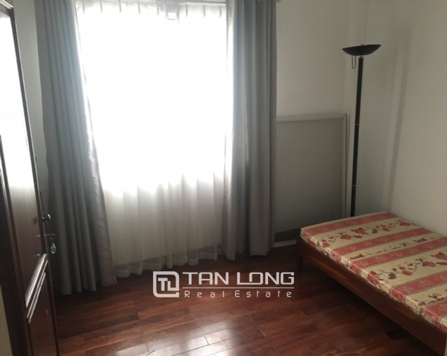 A 3-bedroom house for rent on Dang Thai Mai street, Tay Ho district! 5