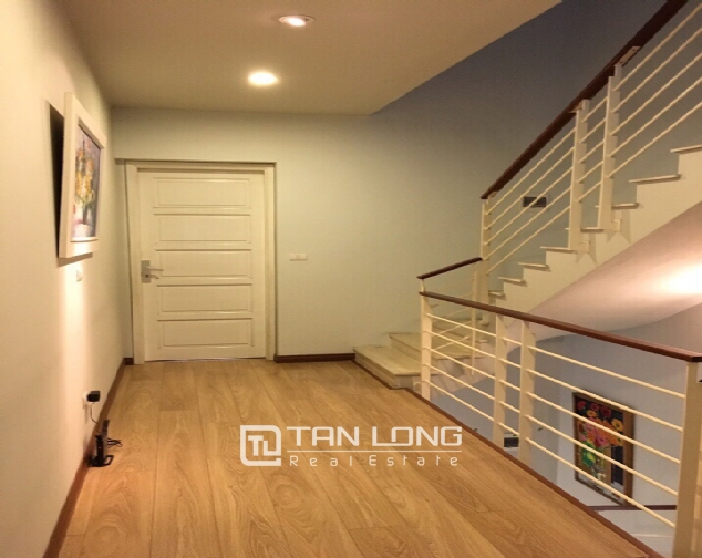 A 3-bedroom house for rent on Nghi Tam street, Tay Ho district! 6