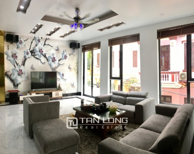 A 5-bedroom house for rent on To Ngoc Van street, Tay Ho district! 1