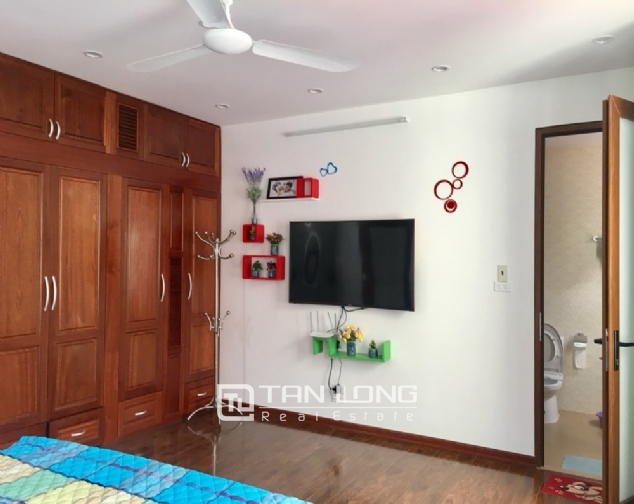 A 5-bedroom house for rent on To Ngoc Van street, Tay Ho district! 8