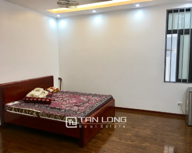 A 5-bedroom house for rent on To Ngoc Van street, Tay Ho district! 2