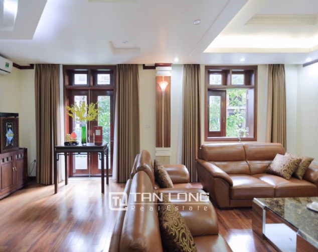A 5-bedroom luxurious villa for rent in Long Bien district! 3