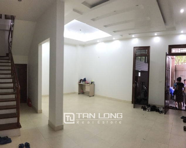 A 5-storey house for rent on Nguyen Hoang Ton - Peach Garden, Tu Liem district! 2