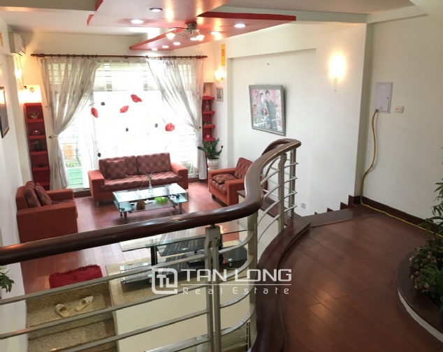 A beautiful house for rent on Au Co street, Tay Ho district! 3