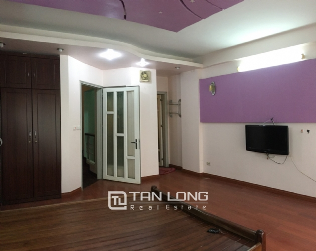 A beautiful house for rent on Au Co street, Tay Ho district! 8