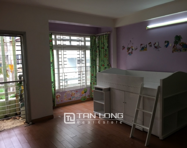 A beautiful house for rent on Au Co street, Tay Ho district! 9