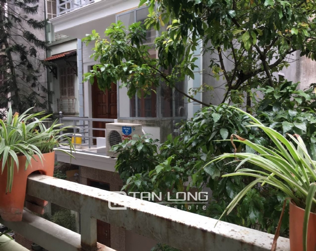 A beautiful house for rent on Au Co street, Tay Ho district! 2