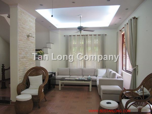 A beautiful villa for rent in Tay Ho street, Tay Ho district, Hanoi is available now 2