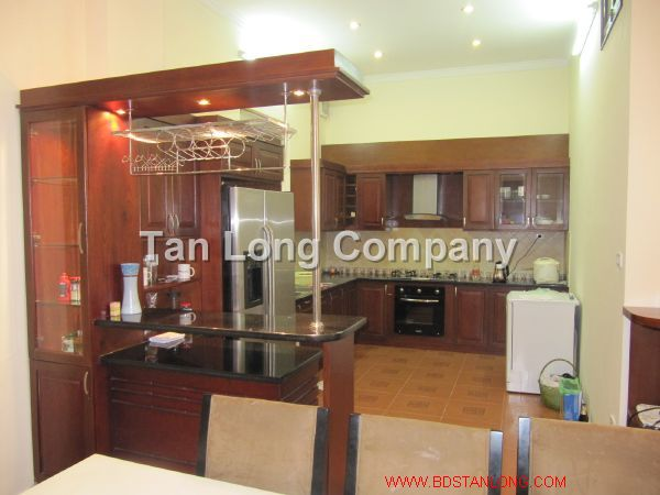 A beautiful villa for rent in Tay Ho street, Tay Ho district, Hanoi is available now 3