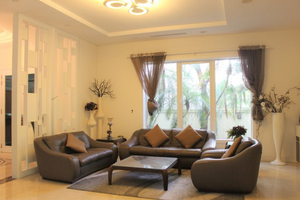 A Detached Villa for rent with full furnishings in Vinhomes Riverside