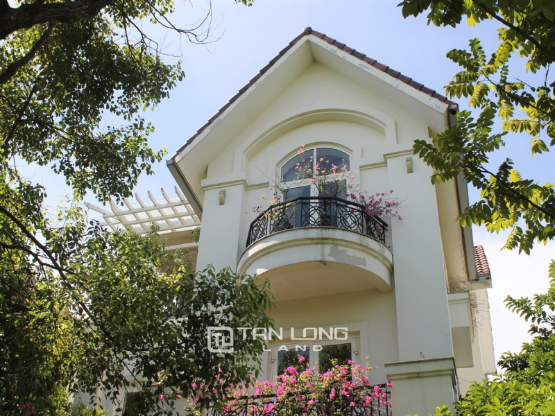 A Detached Villa for rent with full furnishings in Vinhomes Riverside 1