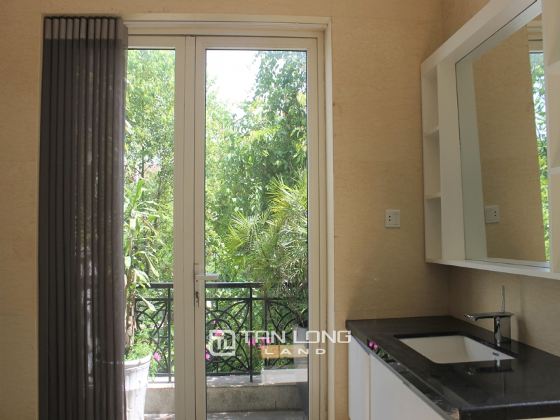 A Detached Villa for rent with full furnishings in Vinhomes Riverside 24