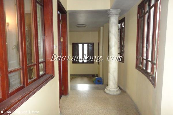 A house for rent in Nguyen Ngoc Vu street, Cau Giay district 5
