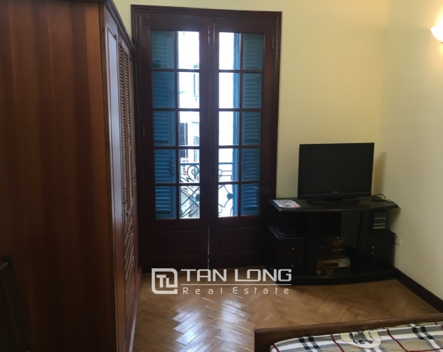 A house for rent in Truc Bach street - Tran Vu ward, Ba Dinh district! 2
