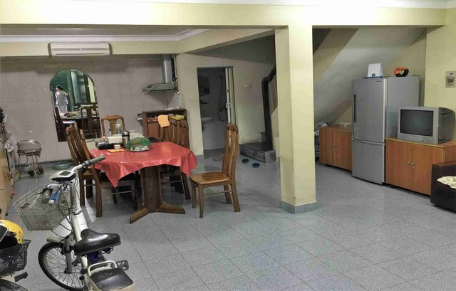 A house for rent on Dinh Cong Trang with 4 storeys
