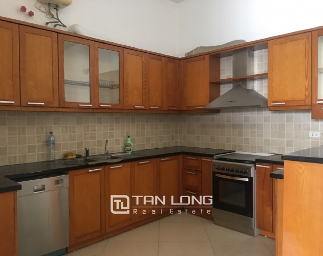 A house on Dang Thai Mai road street with lake view for rent! 7