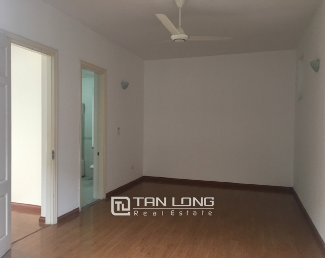 A house on Dang Thai Mai road street with lake view for rent! 4
