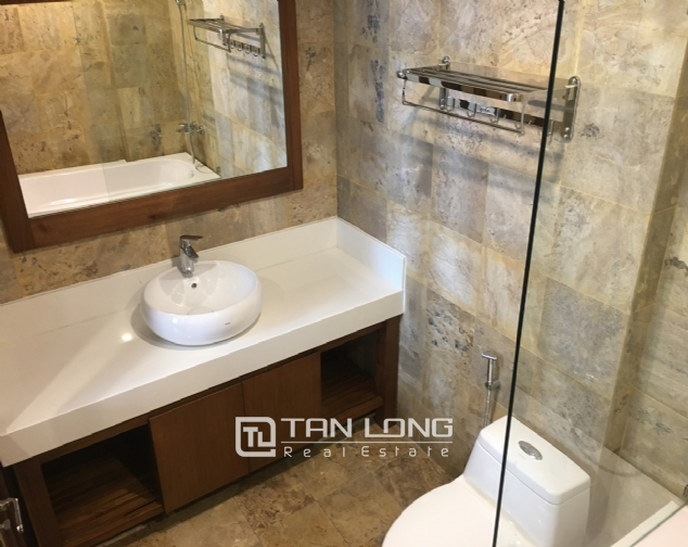 A luxurious 2-bedroom apartment for rent on Tay Ho street, Tay Ho district! 2