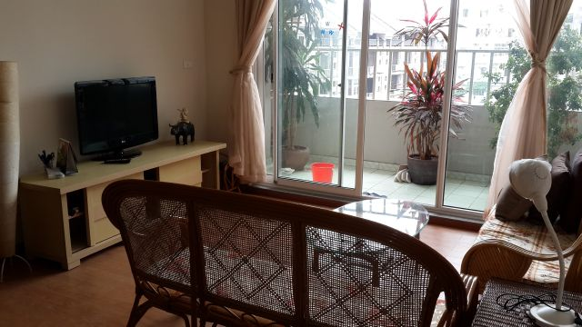 A nice cheap apartment availble for rent in Packexim Apartment,Tay Ho District, Ha Noi.