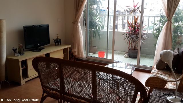 A nice cheap apartment availble for rent in Packexim Apartment,Tay Ho District, Ha Noi. 3