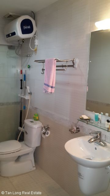 A nice cheap apartment availble for rent in Packexim Apartment,Tay Ho District, Ha Noi. 4
