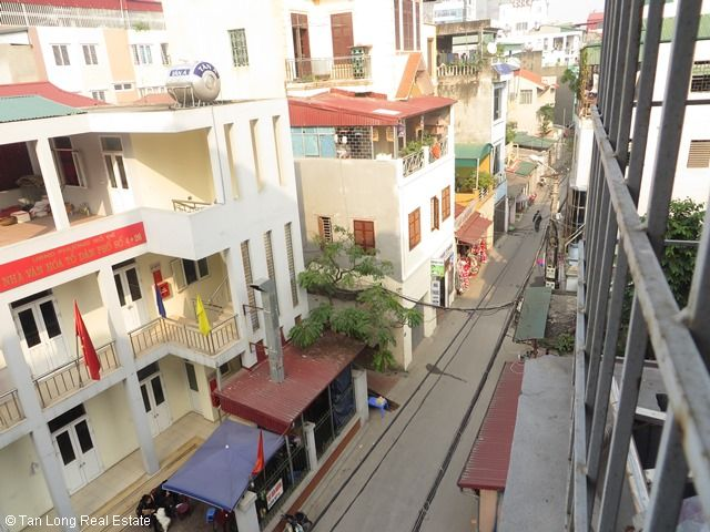 A nice house for rent on Bo De street, Long Bien district, Ha Noi 7