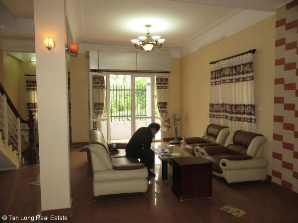 A quite almost furnished 5 bedroom house to rent in Sai Dong, Long Bien district, Hanoi 9