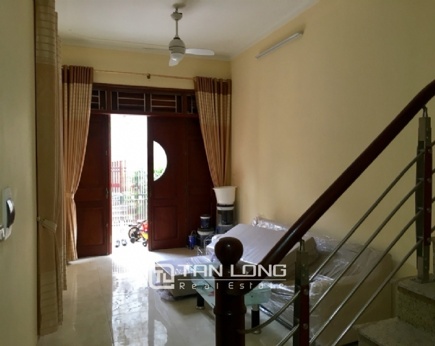 A small house with 4 bedrooms for rent on Au Co street, Tay Ho district! 3