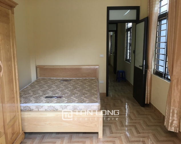 A small house with 4 bedrooms for rent on Au Co street, Tay Ho district! 6