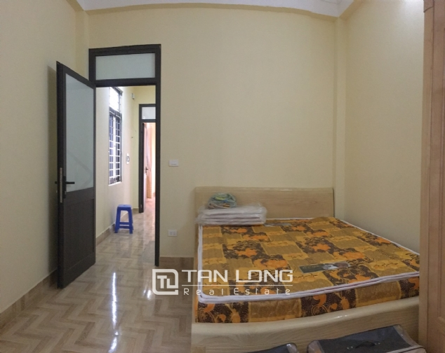 A small house with 4 bedrooms for rent on Au Co street, Tay Ho district! 7