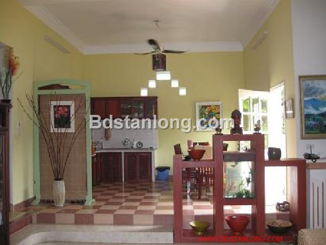 A three-storey house in large alley in Nghi Tam street, Tay Ho district, Hanoi for rent 5