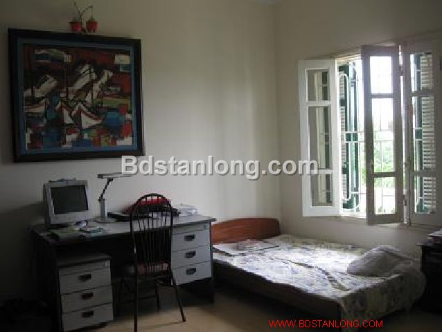 A three-storey house in large alley in Nghi Tam street, Tay Ho district, Hanoi for rent 6