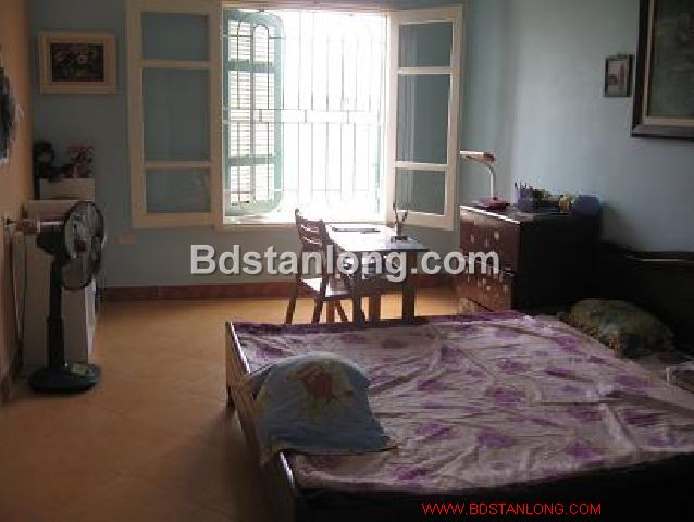 A three-storey house in large alley in Nghi Tam street, Tay Ho district, Hanoi for rent 7