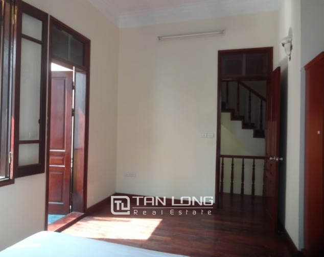 A three-storey house in Tay Ho street, Tay Ho district for rent 3