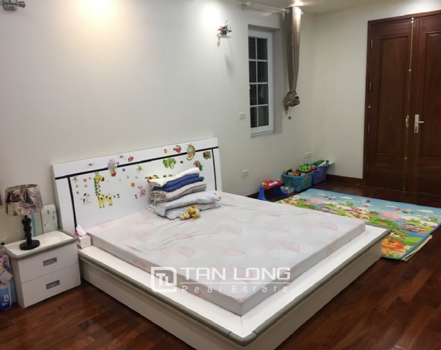 A villa for rent on Peach Garden, Tay Ho district! 8
