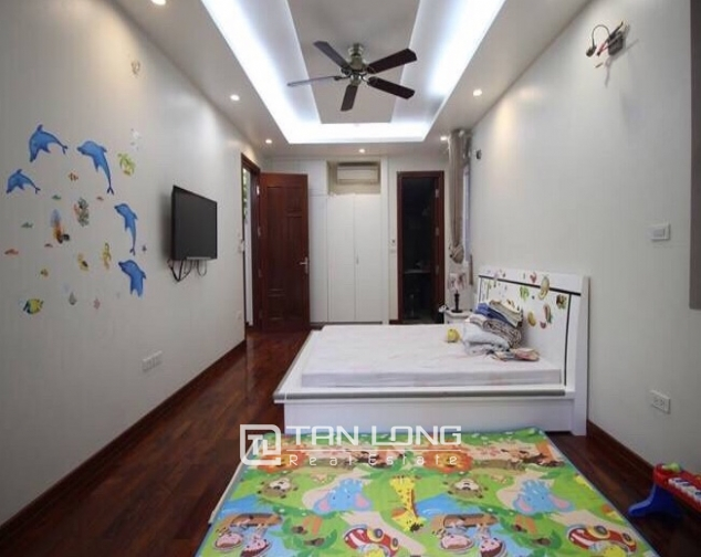 A villa for rent on Peach Garden, Tay Ho district! 9