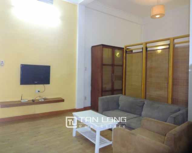 Airy 1 bedroom apartment to rent in Nguyen Khac Hieu, Ba Dinh district, Hanoi 3