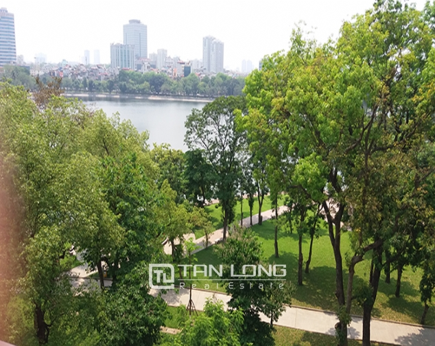 Airy 2 bedroom serviced apartment with park view for rent in Van Ho 2, Hai Ba Trung district 6