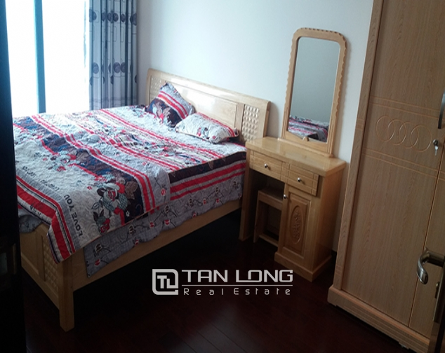 Airy 3 bedroom apartment for rent in R2 Vinhomes Royal City, Thanh Xuan dist 4