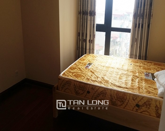 Airy 3 bedroom apartment for rent in R2 Vinhomes Royal City, Thanh Xuan dist 5