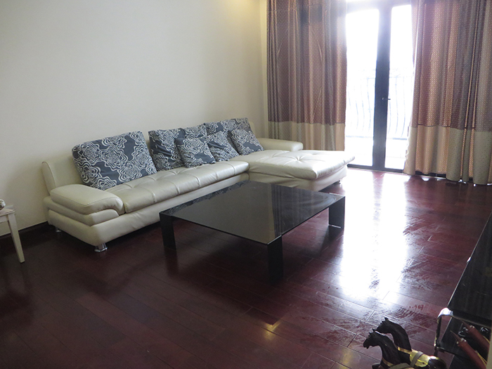 Airy apartment with 2 beds/ 2 baths for rent in R2, Vinhomes Royal City, Thanh Xuan
