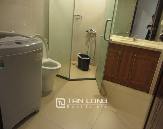 Airy apartment with 2 beds/ 2 baths for rent in R2, Vinhomes Royal City, Thanh Xuan 1