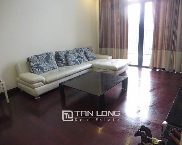 Airy apartment with 2 beds/ 2 baths for rent in R2, Vinhomes Royal City, Thanh Xuan 2