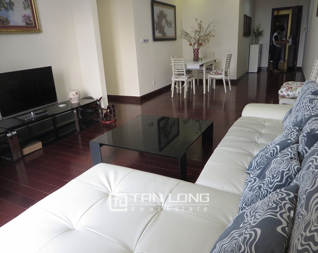 Airy apartment with 2 beds/ 2 baths for rent in R2, Vinhomes Royal City, Thanh Xuan 3